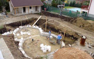 Výstavba polystyrénového bazénu